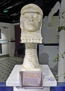 Stature Burma women with long neck