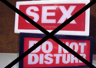 Sex do not disturbe sign